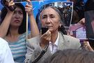 Çin Uygurların anasının peşinde
