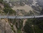 Çin malı cam köprünün foyası çıktı