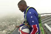 Harlemli basketçi 178 metreden basket attı