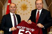 Usta Cumhurbaşkanı Erdoğan'ı ziyaret etti