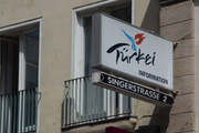 PKK'lılar, Türkiye'nin turizm ofisini bastı!
