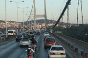 Köprüde intihar girişimi! Trafik felç oldu!