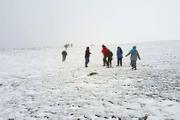 Kar yağdı 30 kişi yaylada mahsur kaldı!