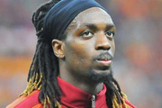 Galatasaraylı futbolcuya şok tepki! Sen nasıl adamsın...