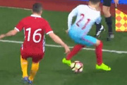 Emre Mor Moldovalı futbolcunun başını döndürdü