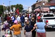 Polis yolu kapattı! Ellerinde sopalarla valiliğe yürüdüler!