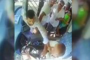 Seyir halindeki otobüs şoförüne yumruk attı!