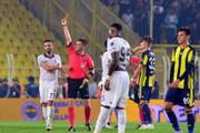 Kadıköy'de maç sonu olay: Caner Erkin kırmızı gördü!