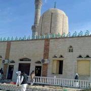 Mısır'da camide katliam olay yerinden ilk görüntüler