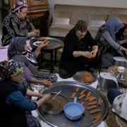 Hataylı annelerden Mehmetçik'e leziz yemekler