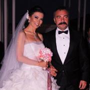 Oktay Kaynarca aslen nereli boşandığı eşi kimdir? Karısı üstsüz...