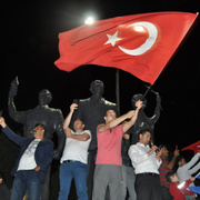 Erdoğan'ın seçim başarısı tüm Türkiye'de kutlanıyor
