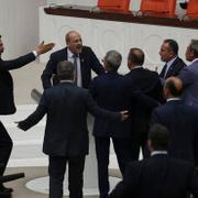 Meclis Genel Kurulu'nda  ilk gün, ilk kavga, ilk ceza