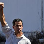 Venezuela'da iç savaş çıkardı kimdir bu kendini başkan ilan eden Juan Guaido?