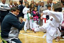 Ahmet Davutoğlu Van'da spor salonu açtı