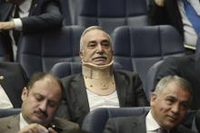 Fakıbaba AK Parti'nin toplantısına böyle geldi