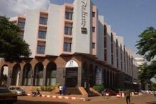 Mali'de lüks otele silahlı baskın