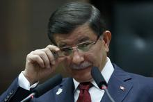 Başbakan Davutoğlu gözyaşlarını tutamadı