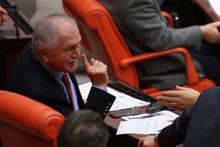 CHP'li vekilden AK Partili vekile: Seni çiğ çiğ yerim!