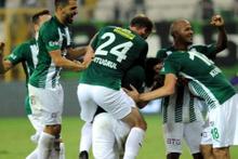 Bursaspor zorlanmadan tur atladı