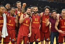 Galatasaray Odeabank evinde rahat kazandı