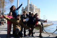 4 çocukla 61 ülke gezdiler!