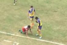 24 yaşındaki futbolcu sahada öldü!