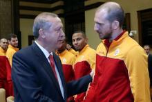 Galatasaraylı basketçilerden Erdoğan'a ziyaret