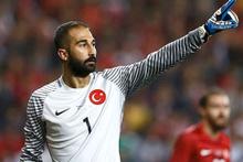 Beşiktaş milli kaleci Volkan Babacan'ı istedi