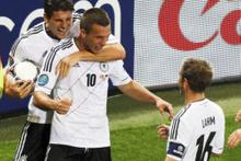 Lucas Podolski tarihe geçti!