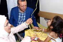 Erdoğan Gaziantep'te yaralıları ziyaret etti