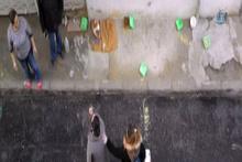 Komşular arasında kedi besleme kavgası kamerada