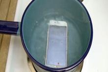 Suda kaynatılan iPhone 6s'e ne oldu?