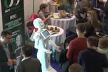 Moskova'da fuara damga vurdu: Ders anlatan robot
