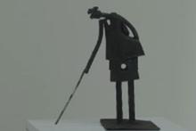 İranlı sanatçı heykellerinde metale can veriyor