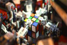Dünyanın en hızlı rubik küpü çözen robotu