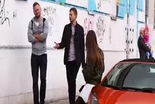 Lamborghini'yle dolaşmayı teklif eden kıza ilginç tepkiler!
