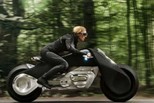Bu motosiklet asla devrilmiyor