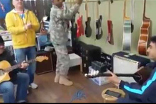 ABD askerini Ankara oyun havasıyla oynattılar!