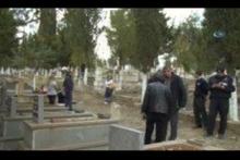 Kızının mezarı başında intihar etti