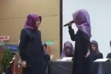 Kur'an kursunda kız öğrenciler atıştı, sosyal medya yıkıldı!