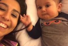Öksürük sesi duyunca gülme krizine giren bebek