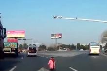 Dünya Çin'den gelen bu videoyu konuşuyor