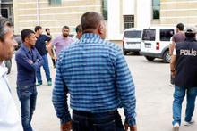 Terörden tutuklanan oğluna tükürüp tepki gösterdi
