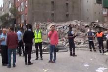 Bağcılar'da bina çöktü