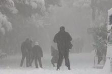 İzmir yıllar sonra en yoğun kar yağışını gördü