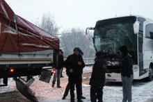Kütahya'da yolcu otobüsü ile TIR çarpıştı!