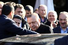 Erdoğan İsmail Kahraman'ı yalnız bırakmadı