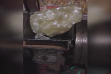 Çin'de plastik pirinç üretimi görenler inanamadı