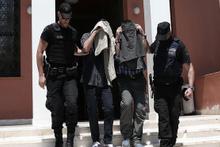 Yunanistan darbeci askerlerin iadesini reddetti